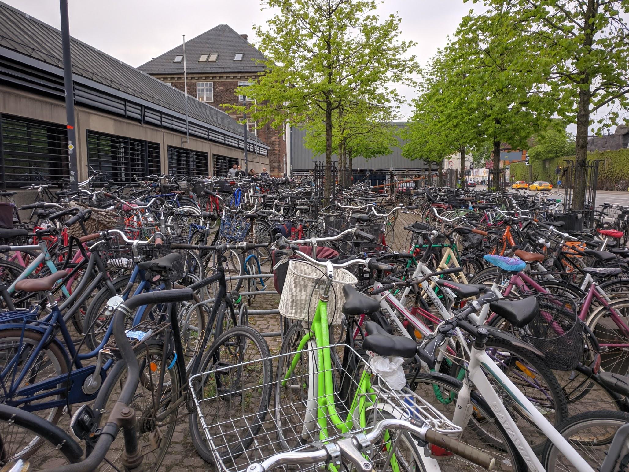 https://madrid.mattrossman.com/img/04/29/bikes.jpg not found